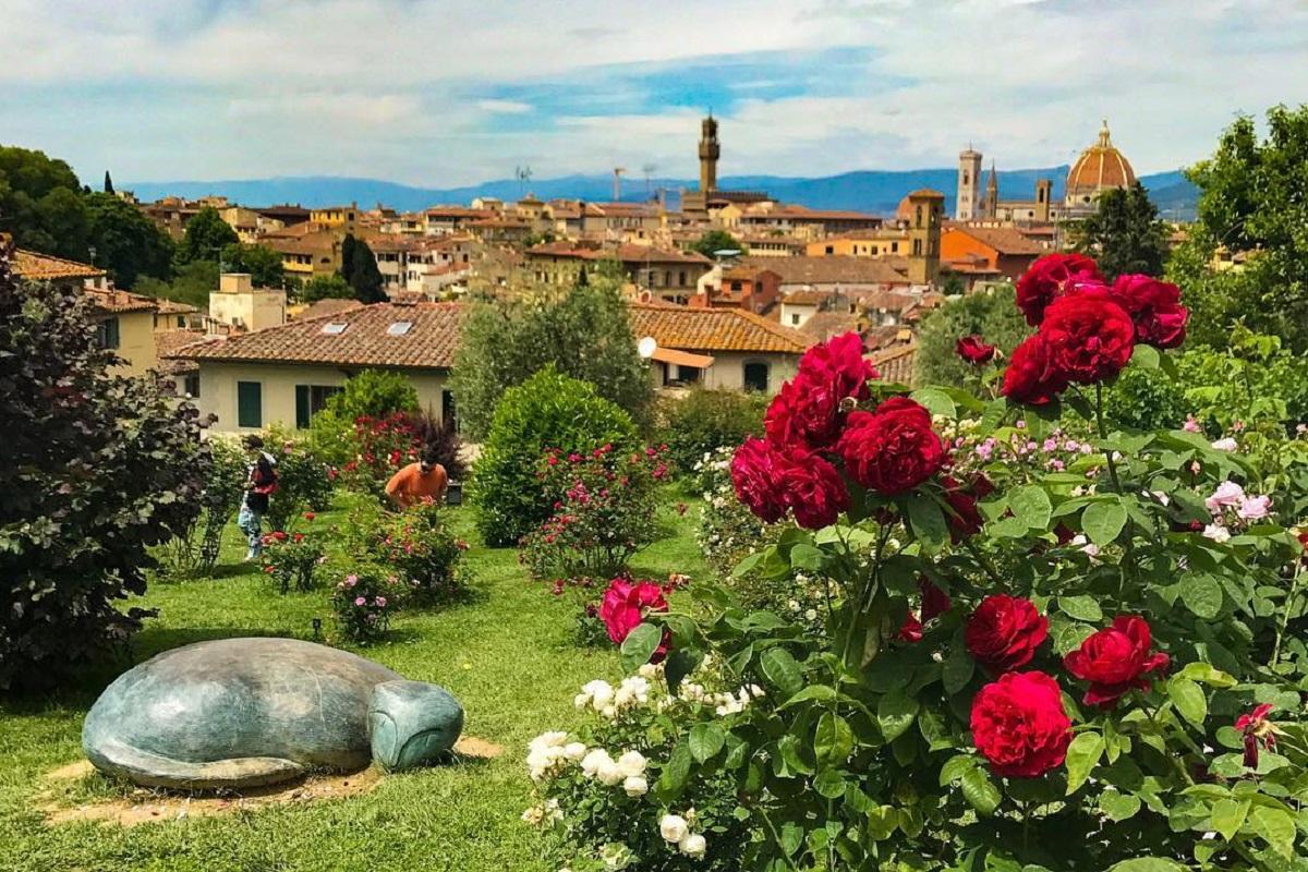 Il Giardino delle Rose: fiori, animali fantastici e una valigia piena di sogni!